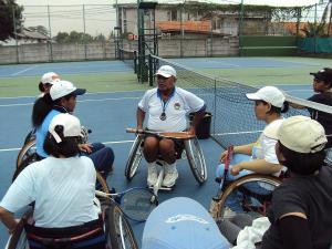 Eksibisi Tenis Kursi Roda HWPCI